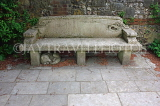 UK, Hampshire, WINCHESTER, Cathedral Close, Dean Garnier Garden, old stone bench, UK7988JPL