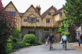 UK, Hampshire, WINCHESTER, Winchester Cathedral, Cheyney Court, timber framed buildings, UK8013JPL