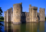 UK, Sussex, Bodiam Castle and moat, UK5386JPL