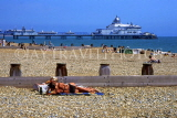 UK, Sussex, EASTBOURNE, Eastbourne Pier, beach and sunbathers, UK4411JPL