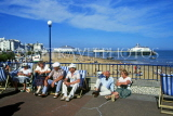 UK, Sussex, EASTBOURNE, promenade with people on deckchairs, UK4436JPL
