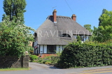 UK, Warwickshire, STRATFORD-UPON-AVON, country house with thatched roof, UK25380JPL