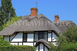 UK, Warwickshire, STRATFORD-UPON-AVON, country house with thatched roof, UK25381JPL