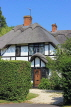 UK, Warwickshire, STRATFORD-UPON-AVON, thatched cottage, UK20264JPL