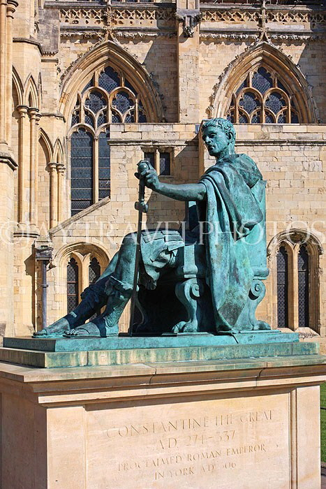 UK, Yorkshire, YORK, Constantine the Great statue, by York Minster, UK9791JPL