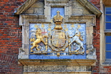 UK, Yorkshire, YORK, King's Manor entrance, coat of arms of Charles I, University of York, UK3298JPL