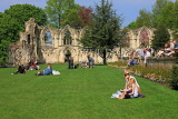 UK, Yorkshire, YORK, Museum Gardens, St Mary's Abbey ruins, people enjoying a sunny day, UK3242JPL