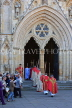 UK, Yorkshire, YORK, York Minster, clergy and congregation, west entrance, UK2553JPL