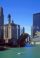 USA, Illinois, CHICAGO, Chicago River and Downtown buildings, US2788JPL