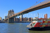 USA, New York, MANHATTAN, Brooklyn Bridge, and tour boat, US4605JPL