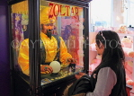 USA, New York, MANHATTAN, FAO Schwarz toy store, Zoltar from the movie Big, US4623JPL