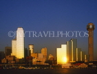 USA, Texas, DALLAS, skyline (evening light), Reunion Tower (right), NCNB Tower (left), DAL22JPL