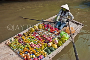 VIETNAM, Mekong Delta, floating market, fruit and vegetable seller in boat, VT708JPLA
